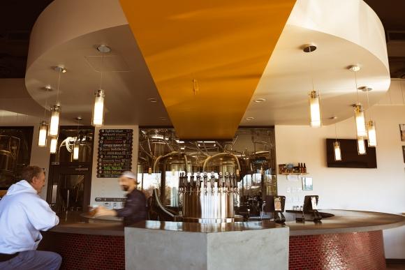 bizmoment-resolute-brewing-bar