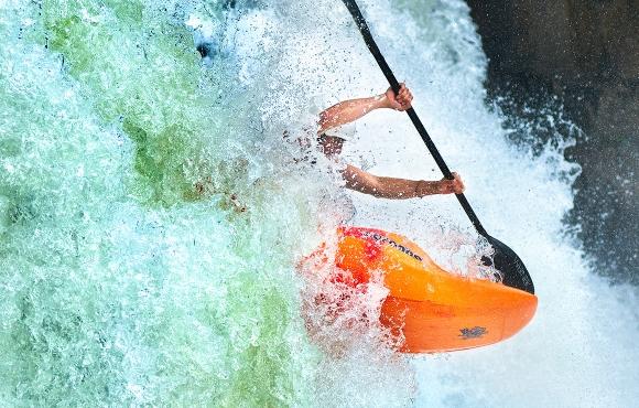 life-moments-editorial-photography-kayaker-falls