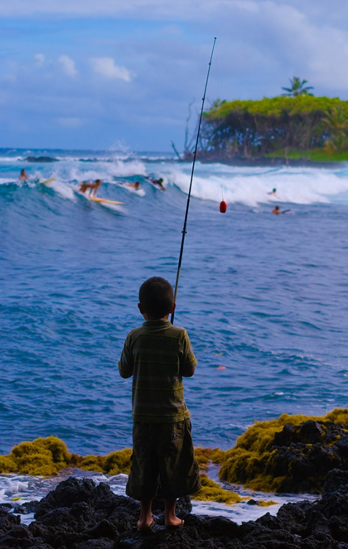 life-moments-editorial-photography-kid-fishing