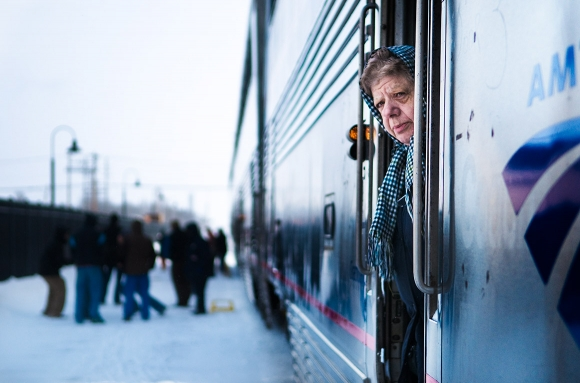 life-moments-editorial-photography-woman-train